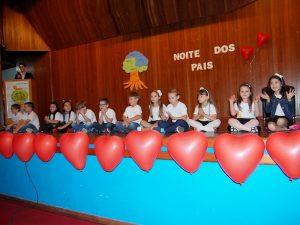 Crianças encantaram nas apresentações (Foto: Michele Tonezer)